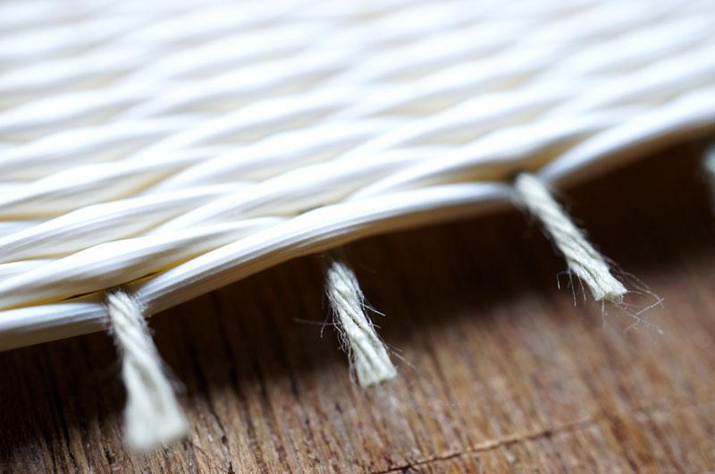 白い畳の経糸