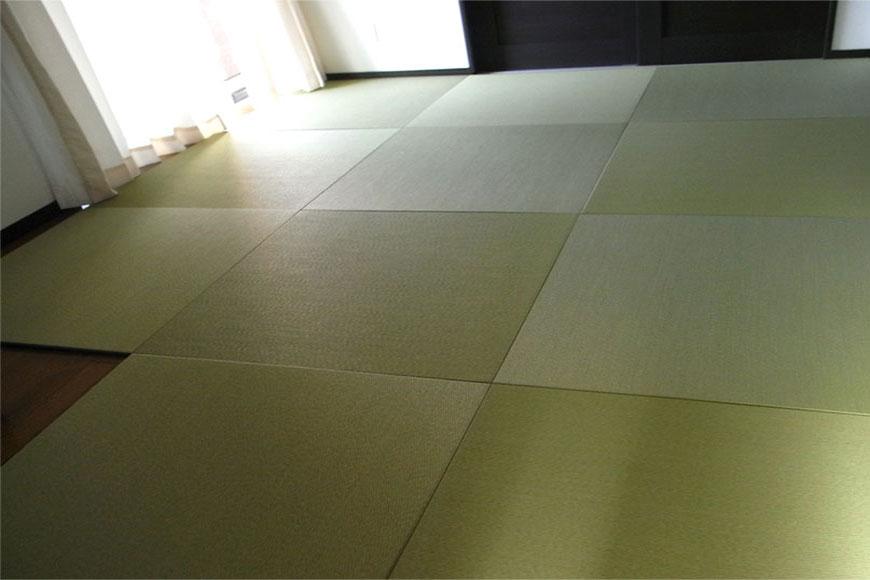 仏壇が置いてあるフローリングの部屋へ畳を敷きました