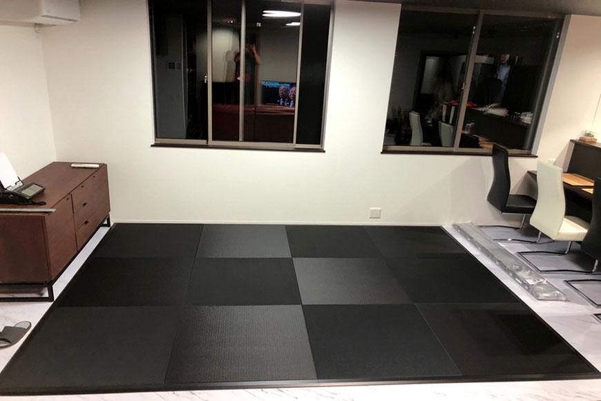 黒い畳 炭 フローリング畳と枠