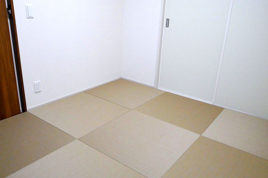 フローリングに置き畳を敷いた状態